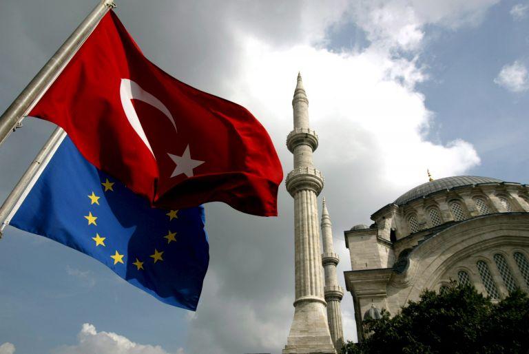 Προειδοποίηση Κομισιόν σε Τουρκία για χαλάρωση των αντιτρομοκρατικών νόμων | tovima.gr