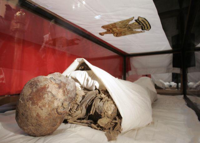 Αιγυπτιακή μούμια δώρο Νάσερ σε Μακάριο βρέθηκε σε αποθήκη | tovima.gr