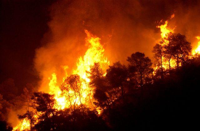 Φόβος για αναζωπυρώσεις στην Αχαΐα – κάηκε ένα σπίτι | tovima.gr