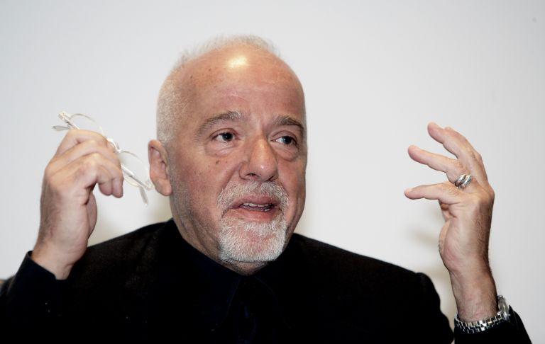 Ο Πάολο Κοέλιο πληρώνει τη Sony για να προβάλλει αυτός το «Interview»   tovima.gr