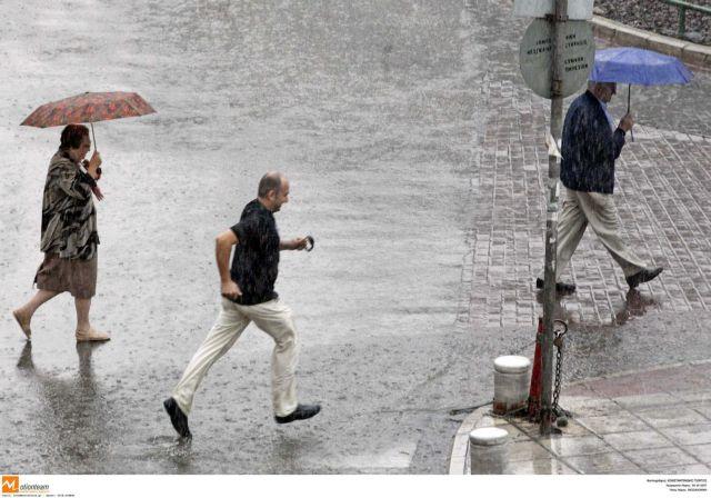 Πλημμύρισαν δρόμοι και σπίτια στη Θεσσαλονίκη | tovima.gr