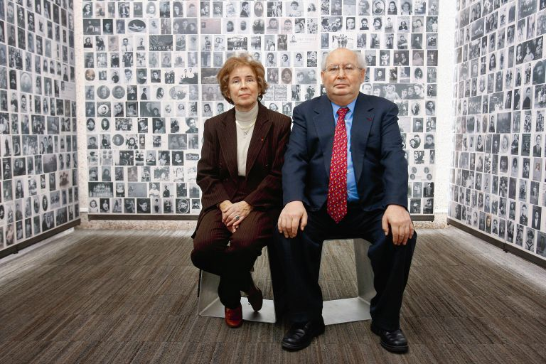 Μπεάτε και Σερζ Κλάρσφελντ: Το ζευγάρι που κυνήγησε τους Ναζί | tovima.gr