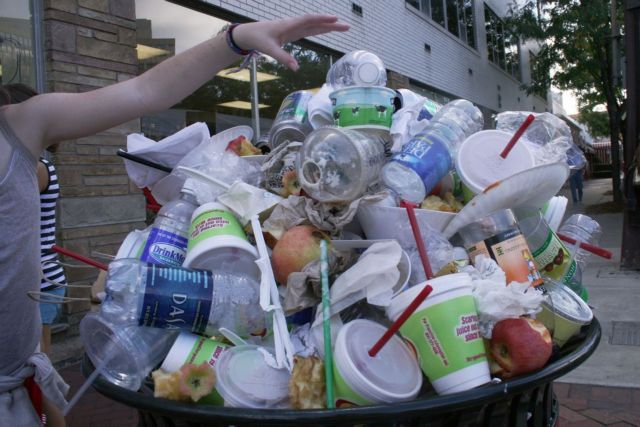 Δημιουργήθηκε ένζυμο που καταστρέφει τα πλαστικά αντικείμενα   tovima.gr