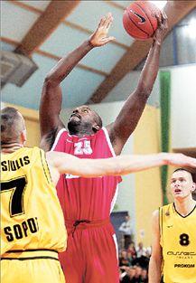 Ο Θρύλος πέταξε τη νίκη επί της ΤΣΣΚΑ | tovima.gr
