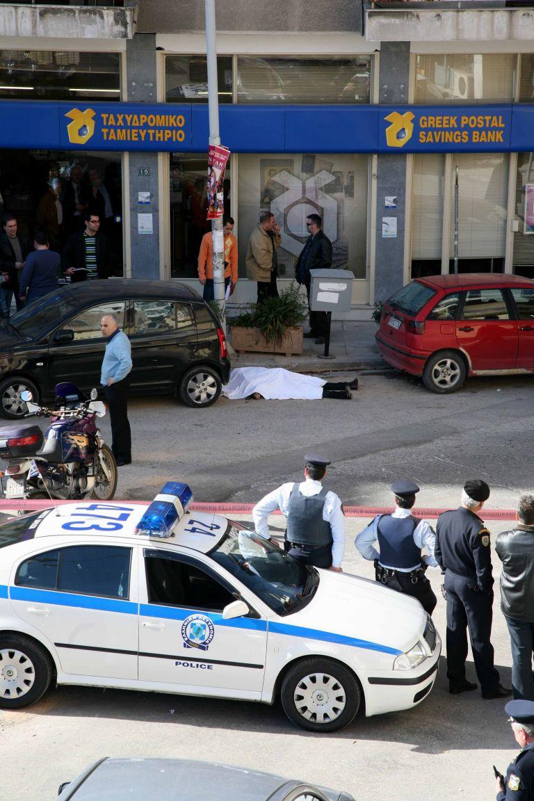 Καλλιθέα: Εκτέλεσαν 40χρονο Αλβανό μέσα στο αυτοκίνητό του | tovima.gr