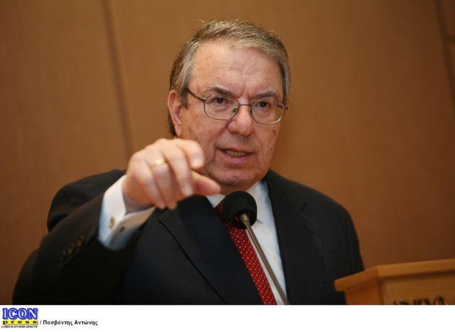 Μπαμπινιώτης : Κλείστε προσωρινά όλα τα πανεπιστήμια   tovima.gr
