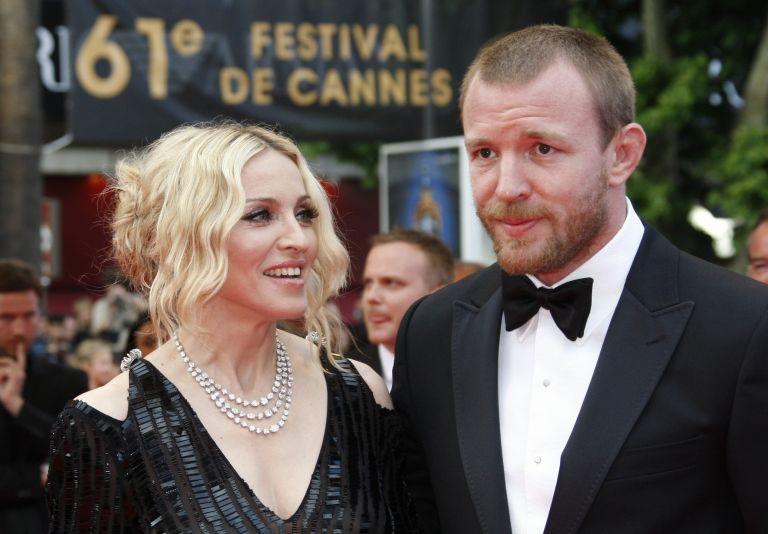 Γκάι Ρίτσι: Ο γάμος με την Μαντόνα ήταν σαν σαπουνόπερα | tovima.gr