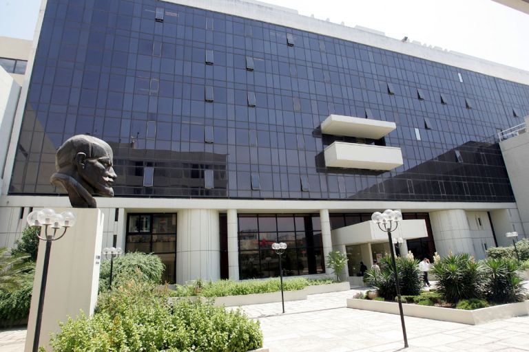 KKE: Σε ρόλο κυβερνητικού εκπροσώπου ο αμερικανός πρέσβης | tovima.gr