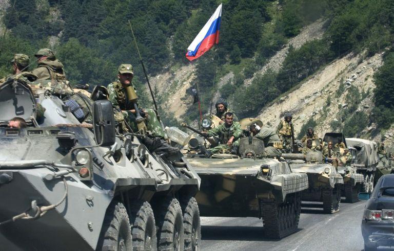 Σε συναγερμό τέθηκαν οι ρωσικές ένοπλες δυνάμεις στην Κριμαία   tovima.gr