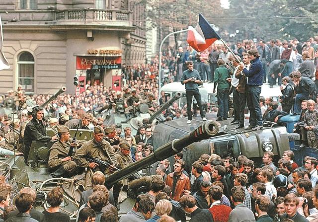 Πριν και μετά τον Αύγουστο της Ανοιξης της Πράγας   tovima.gr