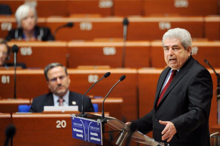 Η Κομισιόν προειδοποιεί την Κύπρο για την οικονομία   tovima.gr