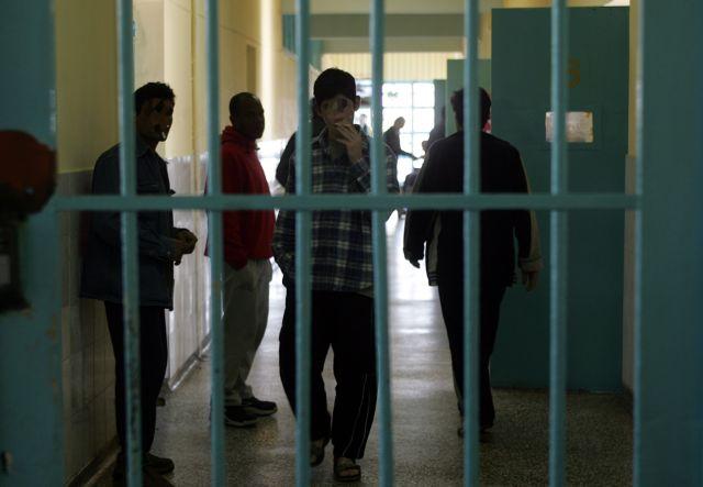 Βρώμικες μπίζνες στις φυλακές | tovima.gr