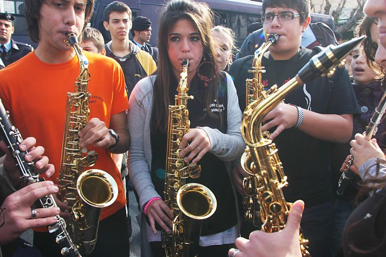Ξανά στους δρόμους κατέβηκαν οι μαθητές των Μουσικών Σχολείων | tovima.gr