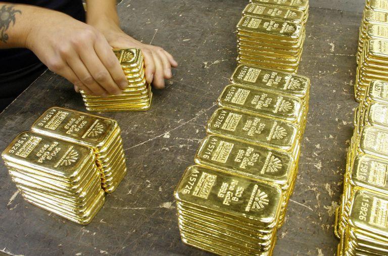 Χρυσός: Εσπασε για πρώτη φορά το φράγμα των 1800 δολαρίων | tovima.gr