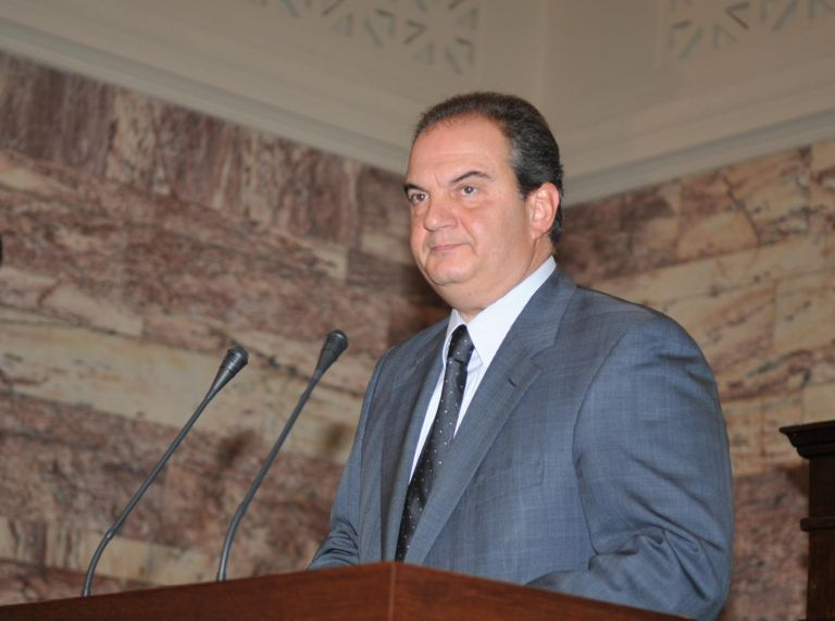 Ορκίζεται αύριο η νέα κυβέρνηση ΚαραμανλήΕκτός: Αλογοσκούφης, Φώλιας, Λιάπης, Δούκας Κοντός, Τζίμας | tovima.gr
