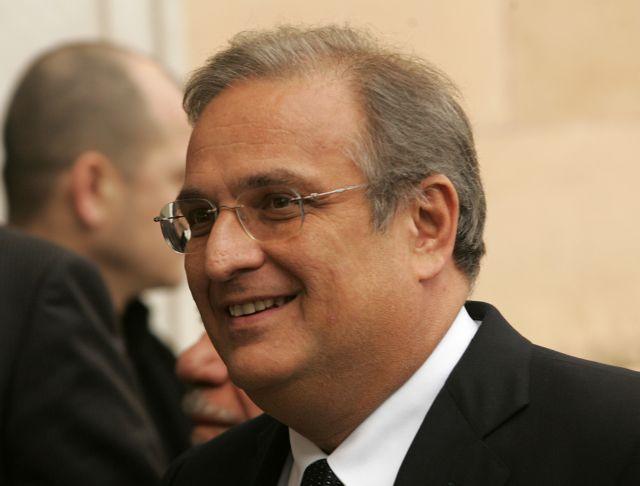 Ο Γιάννης Παπαθανασίου εξελέγη νέος πρόεδρος στα ΕΛΠΕ   tovima.gr