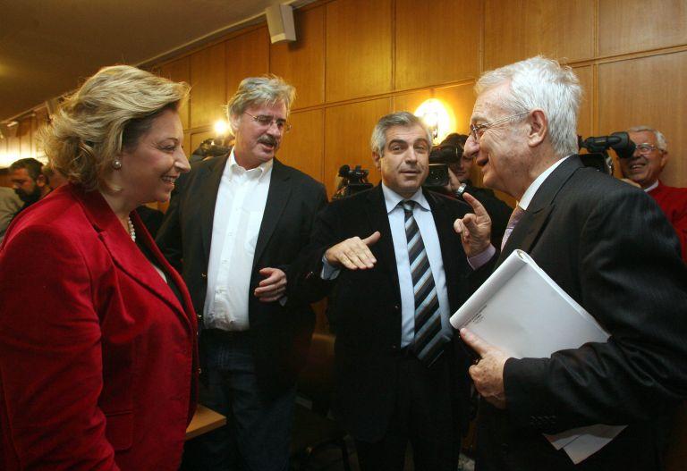 Πατριωτικές κορώνες προς Γερμανούς βουλευτές | tovima.gr