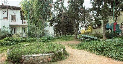 Οδός Ορλώφ: το πάρκο που ορέγονται οι καταπατητές | tovima.gr