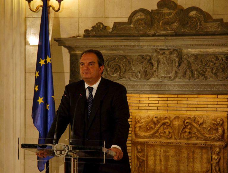 Σενάριο απελπισίας – Ο κ. K. Καραμανλής επισείει νέα δεινά – Οι πολιτικοί αρχηγοί δεν προσέφεραν το άλλοθι της συναίνεσης | tovima.gr