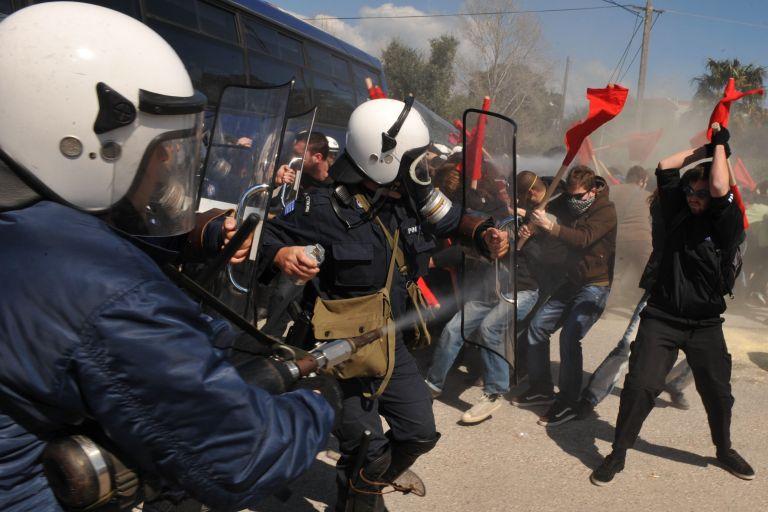 Πάτρα: Φοιτητής καταγγέλλει ότι κινδυνεύει με τύφλωση από δακρυγόνο | tovima.gr