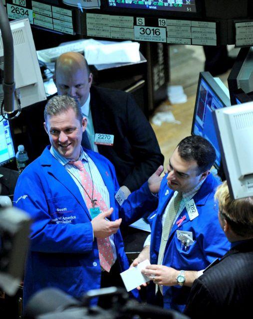 Οι τεχνολογικοί κολοσσοί έγιναν οι νέες επενδυτικές τράπεζες   tovima.gr