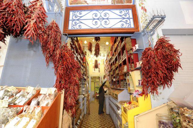 Επιμένουν στα ειδικευμένα καταστήματα τροφίμων οι Ελληνες | tovima.gr