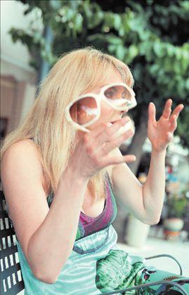 ΣΜΑΡΑΓΔΑ ΚΑΡΥΔΗ «Θα έπαιζα την Πεντάμορφη  ακόμη και με λιγότερα χρήματα» | tovima.gr