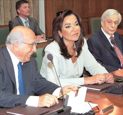 Μετέτρεψε τους υπουργούς σε κομματάρχες   tovima.gr