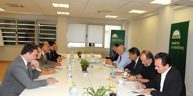 Συναντήθηκε σήμερα ο κ. Γ. Παπανδρέου με το προεδρείο του ΣΕΠΕ   tovima.gr