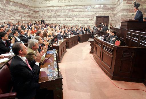 <b>Siemens και Βατοπαίδι</b> δυναμιτίζουν τα ψηφοδέλτια της ΝΔ – Διλήμματα και εκβιασμοί συνοδεύουν τον κ. Καραμανλή στη ΔΕΘ | tovima.gr