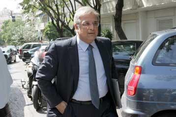 Καμία κυβέρνηση δεν μπορεί να υλοποιήσει τις εξαγγελίες του ΠΑΣΟΚ, λέει ο κ. Γ.Παπαθανασίου | tovima.gr