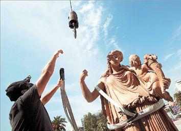 Οι θεοί ανυψώθηκαν | tovima.gr