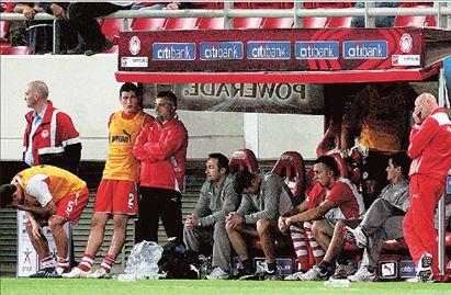 «Προπονητή εγνωσμένης αξίας»  ζήτησαν από τον Κόκκαλη οι οπαδοί | tovima.gr
