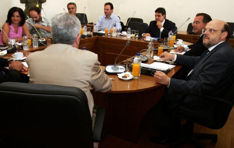 <b>Σίγουρο μόνο το ντιμπέιτ Καραμανλή – Παπανδρέου</b>Δεν συμφώνησαν για την «παραδοσιακή» αναμέτρηση μεταξύ των έξι πολιτικών αρχηγών | tovima.gr
