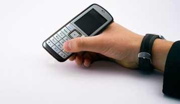 Σε ισχύ από σήμερα ο φόρος στα καρτοκινητά τηλέφωνα | tovima.gr