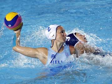 Στην 4άδα του Ευρωπαϊκού η Εθνική νέων γυναικών του πόλο με νίκη επί της Ισπανίας | tovima.gr