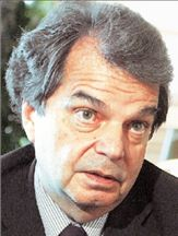 «Οι ελίτ θέλουν να ανατρέψουν τον Μπερλουσκόνι» | tovima.gr