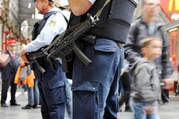 Αυξημένος συναγερμός στη Γερμανία μετά τα απειλητικά βίντεο της Αλ Κάιντα   tovima.gr