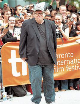 Μάικλ Μουρ, ο «Ρομπέν» των φτωχών Καναδών | tovima.gr