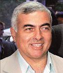 Ν. ΧΡΥΣΟΓΕΛΟΣ  Ενας πολιτικός που κάνει ανακύκλωση  στο μπαλκόνι | tovima.gr