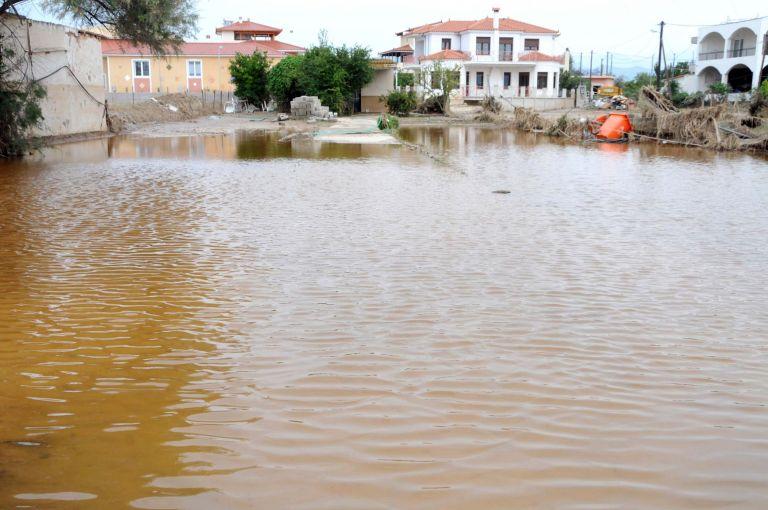 Τις πληγείσες, από τις πλημμύρες, περιοχές της Εύβοιας ενισχύει οικονομικά το ΥΠΕΧΩΔΕ | tovima.gr