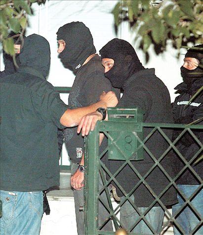 Πώς έφθασε η ΕΛ.ΑΣ. στη γιάφκα του Χαλανδρίου | tovima.gr
