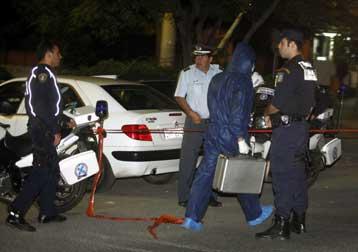 Χειροβομβίδες και όλμοι εντοπίστηκαν στη Βουλιαγμένη | tovima.gr
