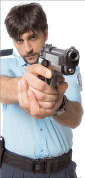 ΓΙΩΡΓΟΣ ΧΡΥΣΟΣΤΟΜΟΥ  Ο αστυνόμος Λουκάς | tovima.gr