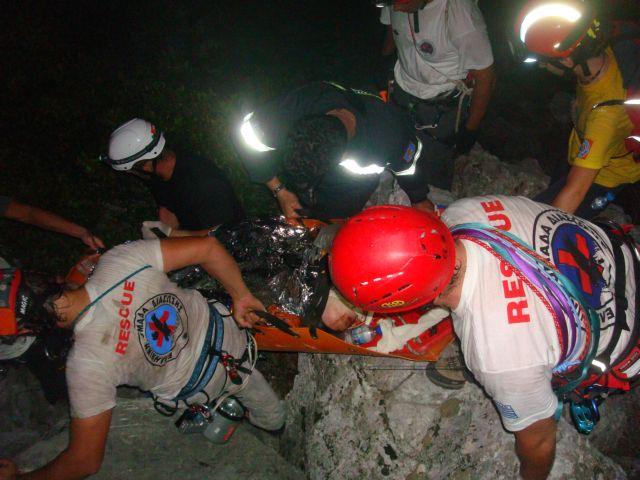 Επιχείρηση απεγκλωβισμού δύο ορειβατών στον Όλυμπο | tovima.gr