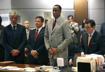 Αθώος δηλώνει ο γιατρός του Μάικλ Τζάκσον | tovima.gr