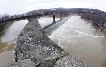 Σε επιφυλακή οι υπηρεσίες της νομαρχίας Έβρου λόγω αύξησης της στάθμης των νερών | tovima.gr