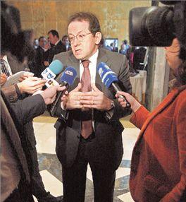Ο Βιτόρ Κονστάνσιο διαδέχεται τον Λ. Παπαδήμο | tovima.gr