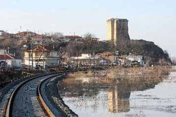 Σε ύφεση οι πλημμύρες στον Έβρο, παραμένει σε κατάσταση συναγερμού ο νομός | tovima.gr