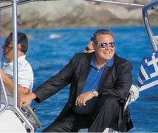 Με φουσκωτό στην κάλπη ο Π. Καμμένος   tovima.gr
